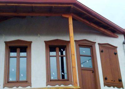 Δίφυλλα παράθυρα με 1 οριζόντιο καΐτι