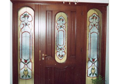 Πόρτα ασφαλείας ταμπλαδωτή σε οβάλ διάκοσμο