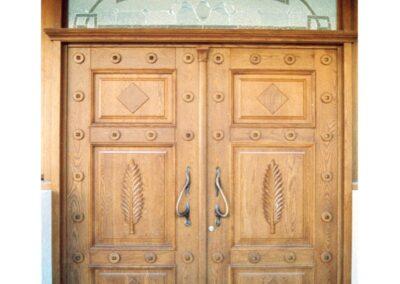 Είσοδος ασφαλείας σε ξυλεία Δρυός