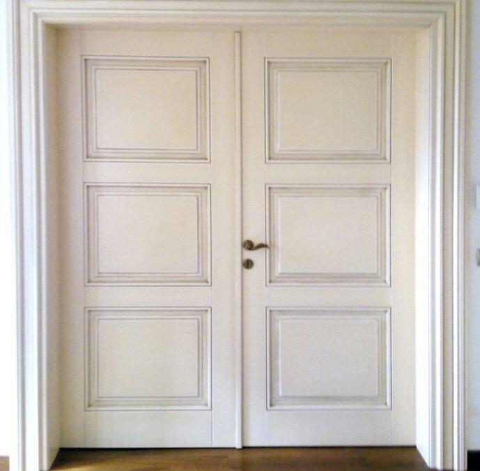 Δίφυλλη πόρτα υψηλής αισθητικής σε ξυλεία αφρικάνικη καρυδιά